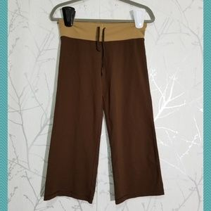 Lululemon Brown Straight Leg Capri Pants